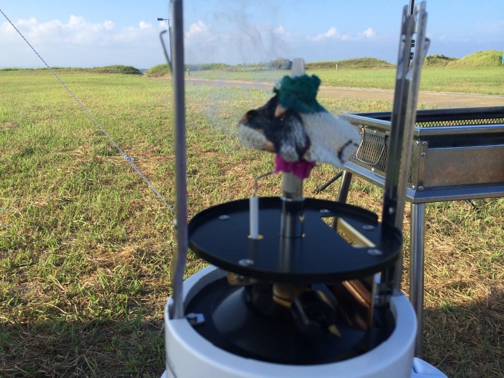 ソト(soto)虫の寄りにくいランタン 点火方法