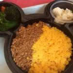 ディズニーランドのプラザレストランで昼食。ディズニー旅行1日目の思い出。
